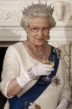 Queen-england-parasite