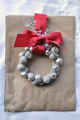 Jingle bell wreath tag christmas wrapping