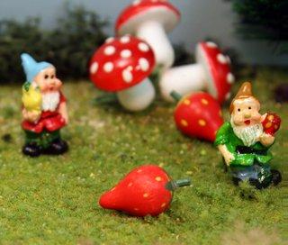 GnomesBerries26a