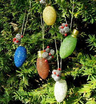 Glass glitter ornaments3