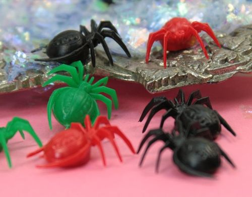 EEK spiders 203-3-003 - 05