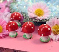 205-0216 - Button Mushrooms (4)