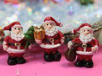 205-6103 - Standing Santas 2013-09-27 03.23.33